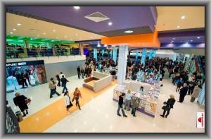 обустройство холлов торговых центров торговым оборудованием