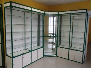 Витрина стеклянная аптечная