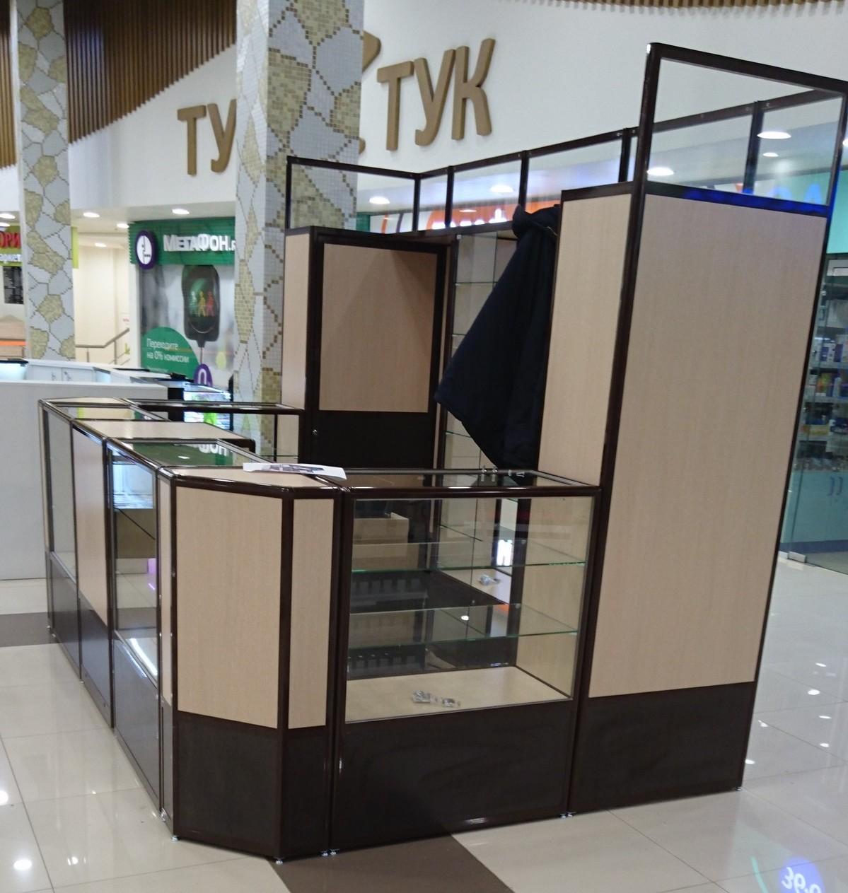 """Табачный киоск (ТЦ """"Тук-тук"""" в Москве)"""